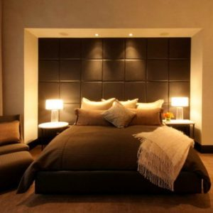 fascinating-brown-main-bedroom-idea-wall-panel-for-headboard-side-of-a-masted-grey-white-curtain-decoration-plus-transparent-table-lamp-gray-black-and-design-interior-arrangement-wonderful-972x647